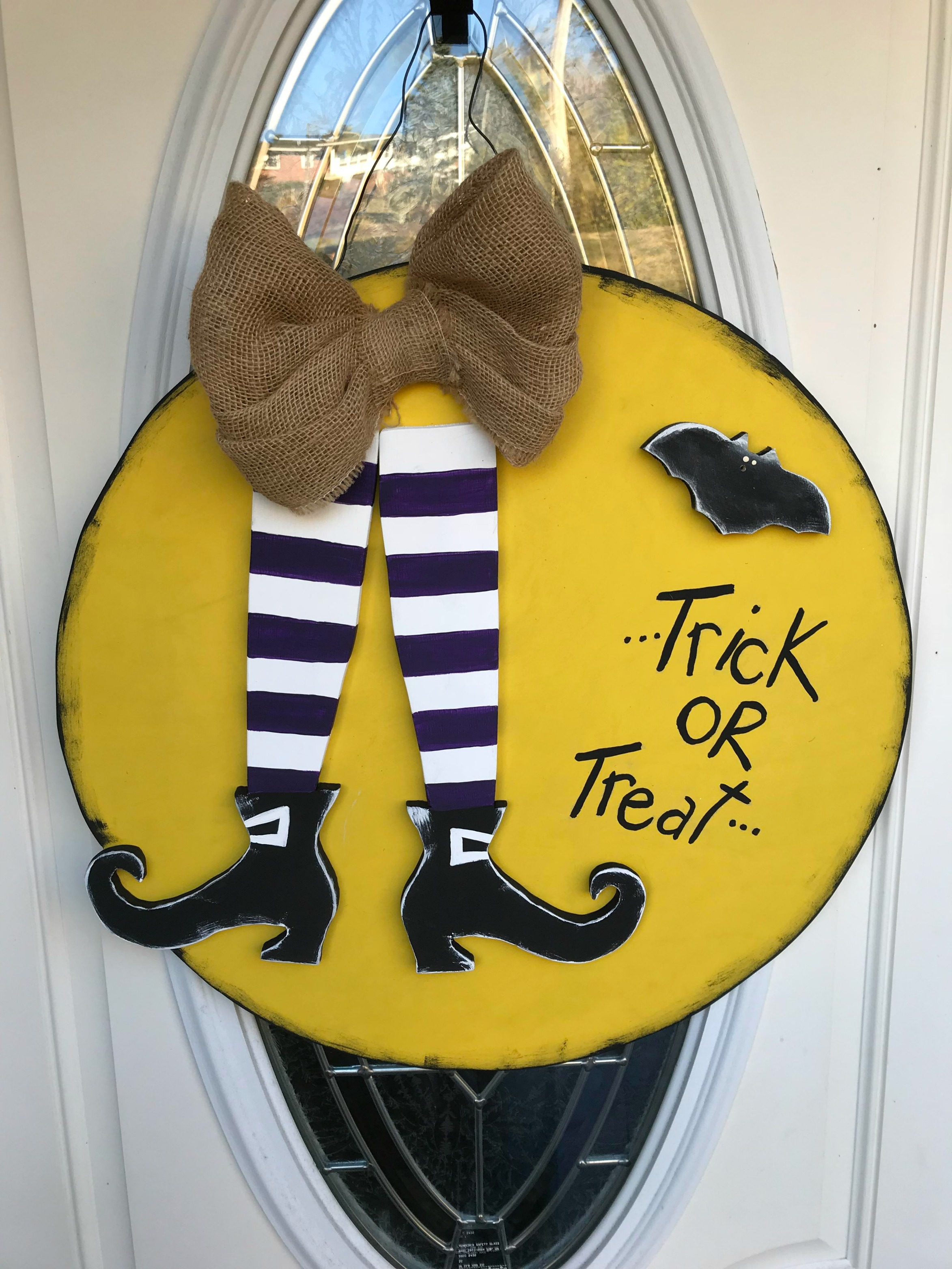 DIY: Wooden Halloween Door Hanger